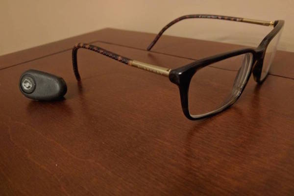 RETROFIT ANY PAIR OF GLASSES INTO VOICE-CONTROLLED SMART GLASSES WITH KAI