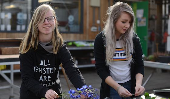 Twee meiden van het project Stipe. Foto: Henk Boudewijns