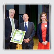Pictured: Legal Aid Queensland CEO Anthony Reilly, Premier Campbell Newman and Legal Aid Queensland CLE coordinator Katherine Gorter