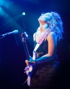 Chantel McGregor, Guitar