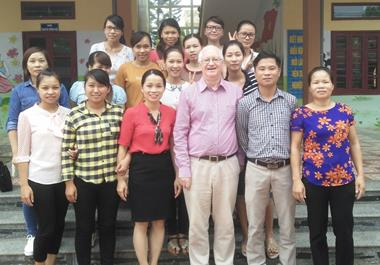 Participants in one of the Bac Giang groups pose for a group photo