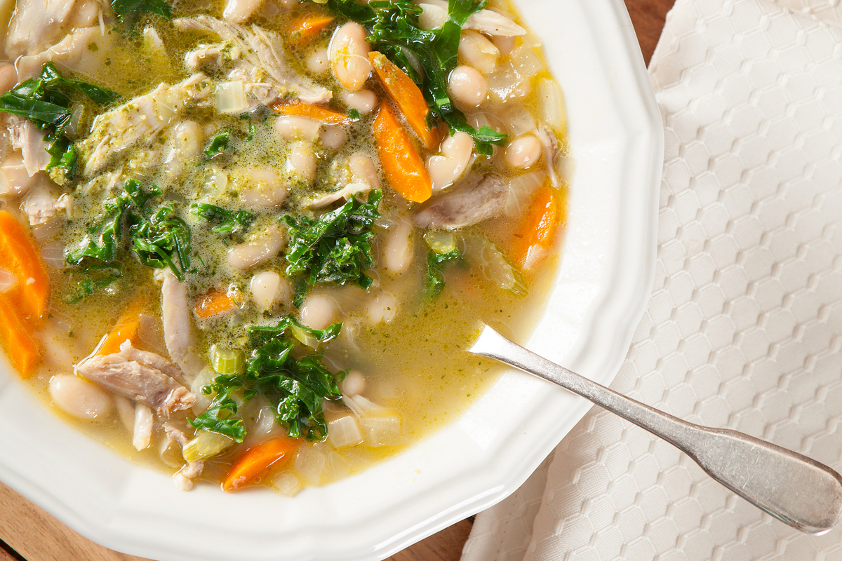 Tuscan Chicken and White Bean Soup