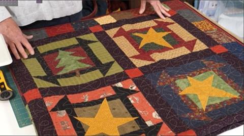 Glad Tidings Quilt from Anne Baxter