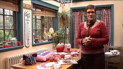 Make a Cupcake Pincushion with Mandy Shaw