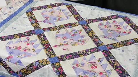 Flower Basket quilt with Valere Nesbitt