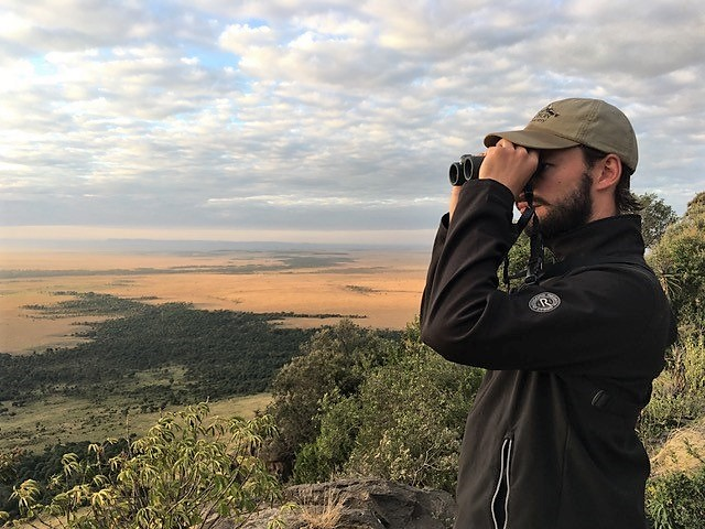 Nieuwsbrief Out in Africa - voor in de agenda: Beurzen. Arjan Dwarshuis, verrekijker, vogelen
