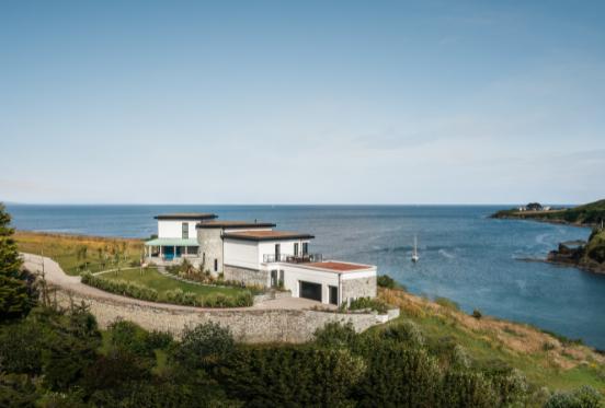 Deco Beach House | Unique Homestays